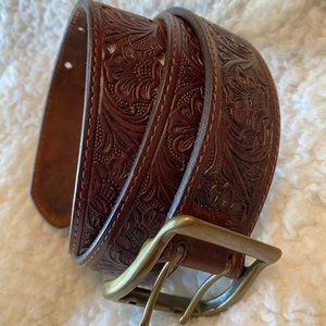 Eddie Bauer Leather Belt Floral Embossed Sz M